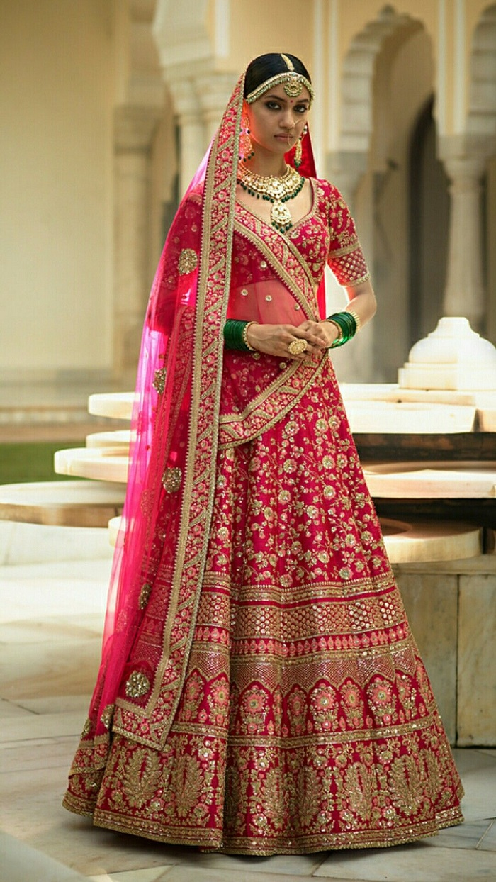 Smashing Dresses for Marriage Functions to Make You Look ...
