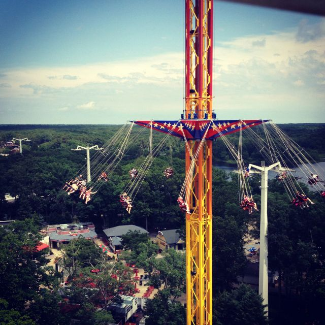 Six Flags New Jersey Only 1 5 Hours From My Next Apartment Thrill Ride Places To Travel Roller Coaster