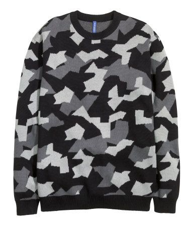 Oversized, fine-knit cotton sweater in graphic black and grey pattern. Slightly dropped shoulders, long sleeves, and ribbing at cuffs and hem.   H&M Divided Guys
