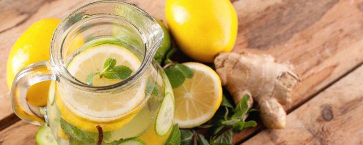 Suco de limão com gengibre