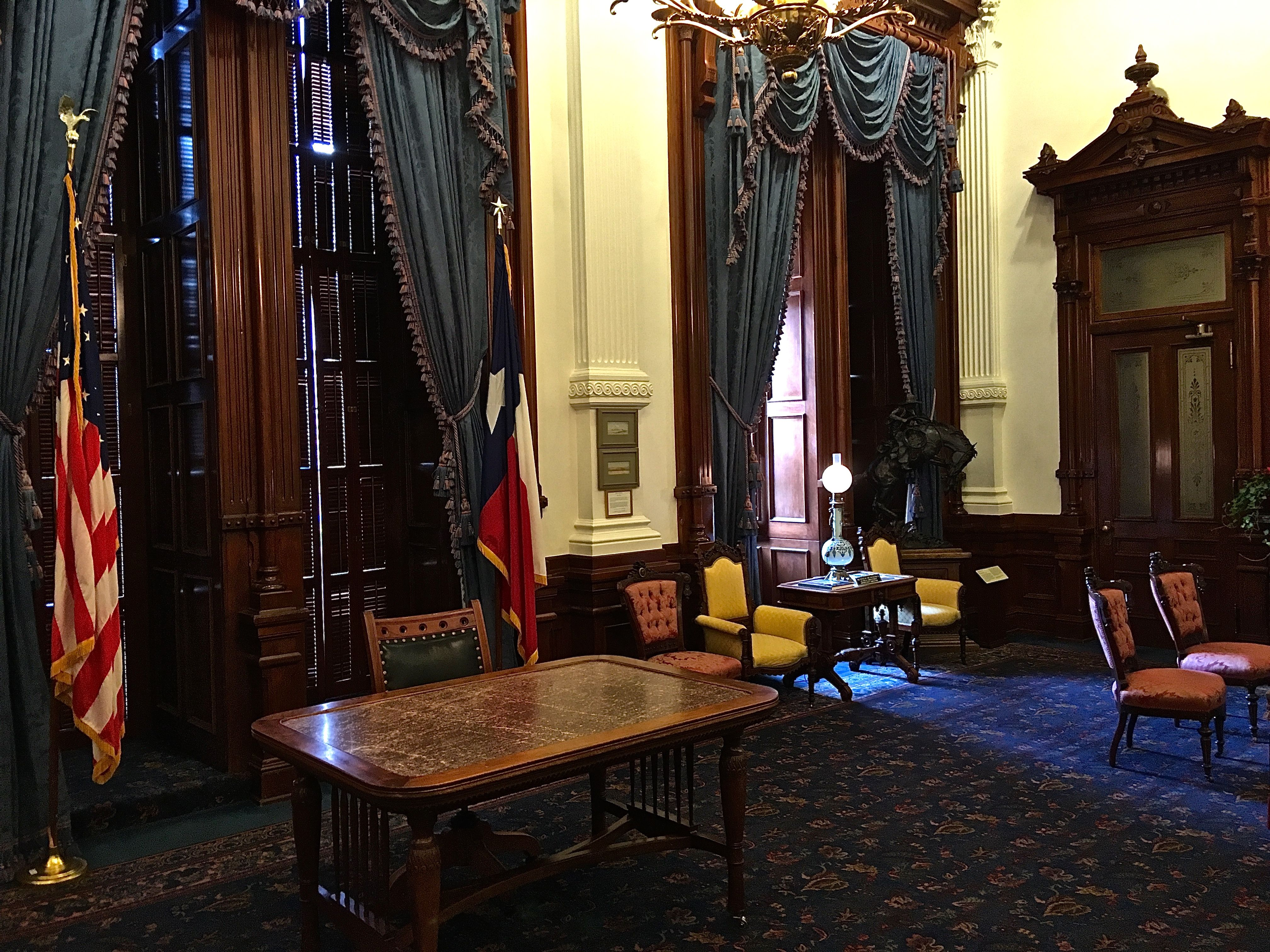 The Governor Of Texas Has An Office In The Capitol Building In