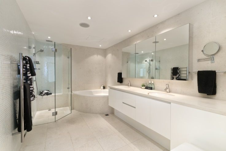 Minimalism In A Modern Home Bathroom