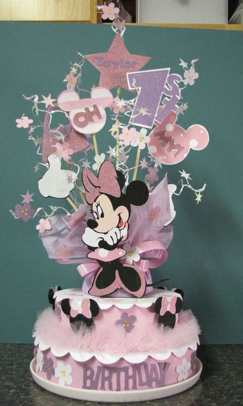 Mimis Craft Room Minnie Mouse Birthday Decoration for a cupcake