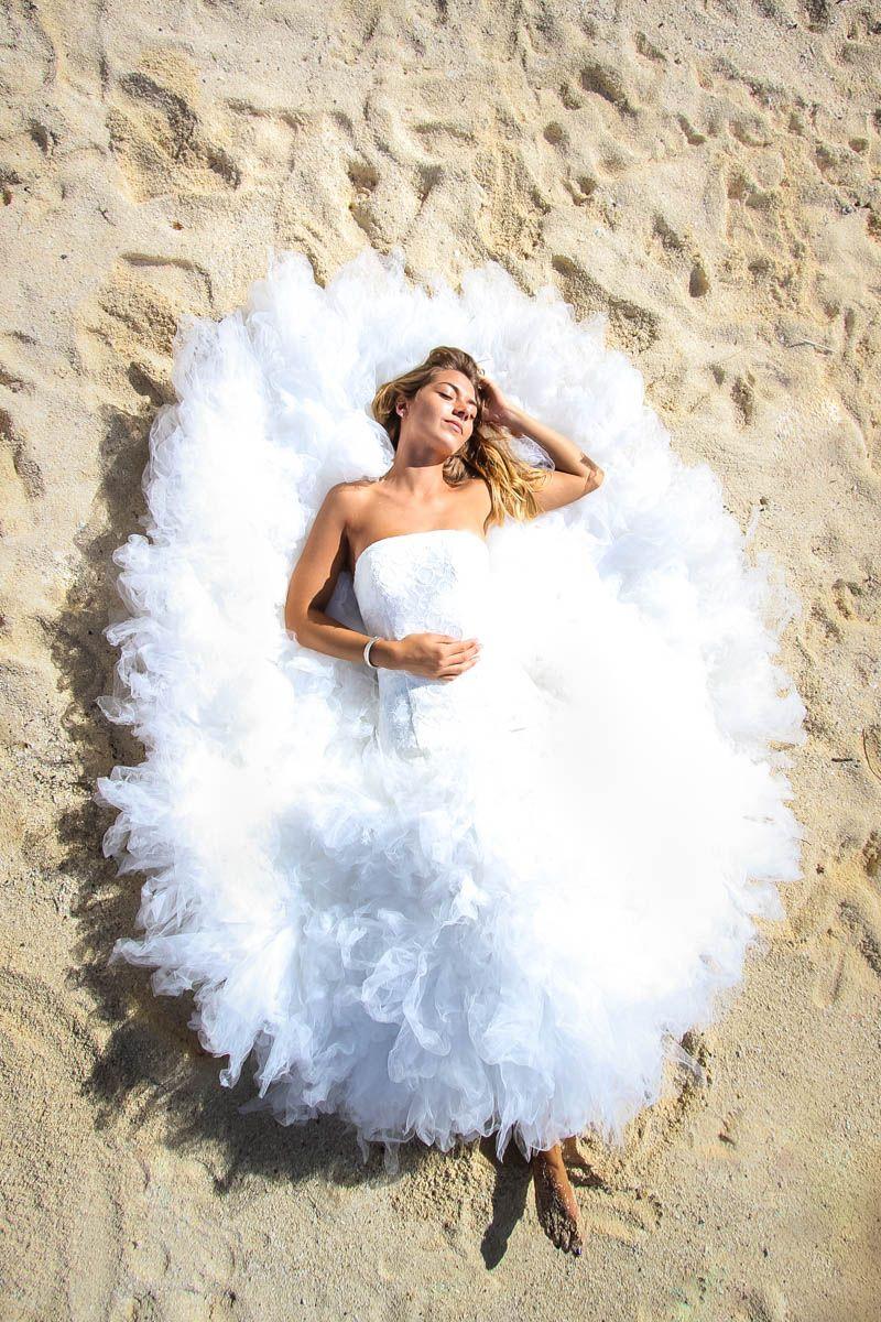Trash the wedding dress in Bora Bora   Trash wedding dress ...