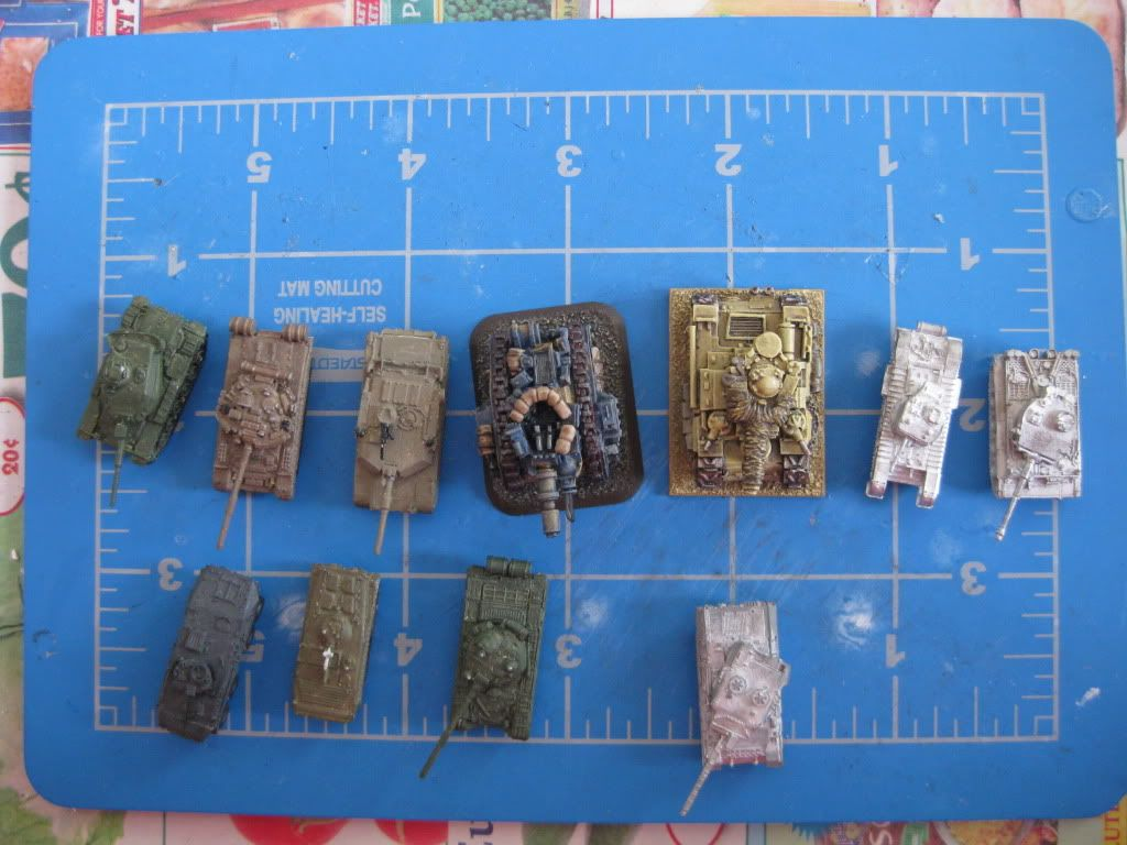 Leman Russ and Ragnarok tanks compared with various historical and modern 6mm tanks.