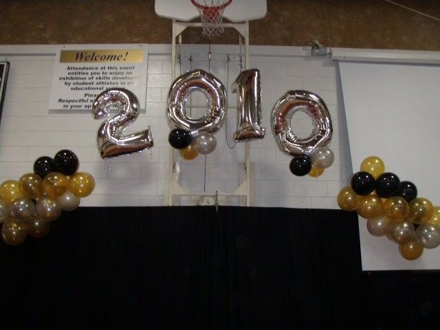 Graduation Balloon Decorating Grad Decorations Graduation Table Decorations Graduation Balloons Graduation Tables