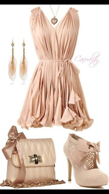 Softly colored dress with shoes and accessories to match. Cute outfit for a lunch date at a patio restaurant outside in the spring or summer