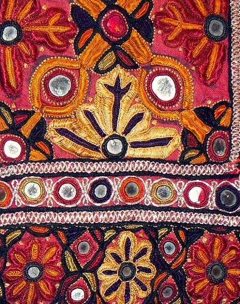 Coquita textiles embroidery y - Cojines indios ...