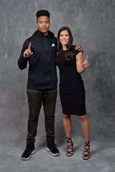 Husky Pride Uw S Markelle Fultz And Kelsey Plum Become The First Players From The Same School To Go No 1 In The Nba Wnba Drafts In The Wnba Nba Las Vegas