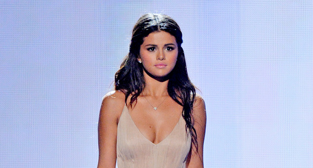 Selena Gomez opens up about the challenges of trying to trust other people: http://eonli.ne/1G5TtMF