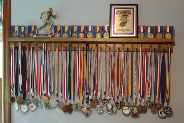 439 Poplar Stained Award Medal Display For Boys Oh Boy