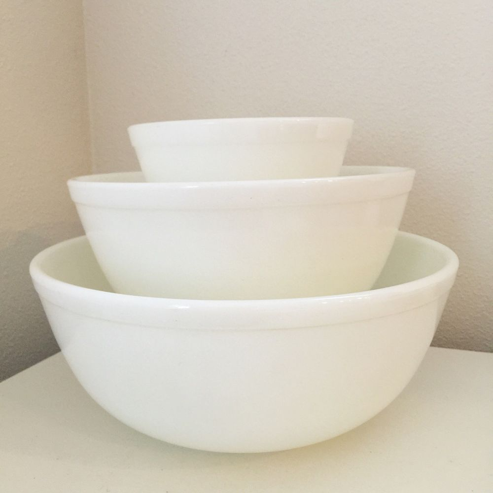 Pyrex UNMARKED Opal White Nesting Mixing Bowls 401 403 404 Set 3 ...