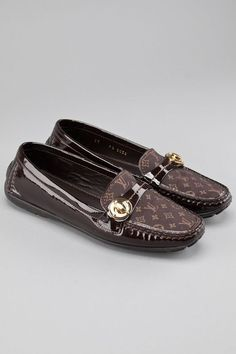 a7d57a557311 Image result for louis vuitton women loafers