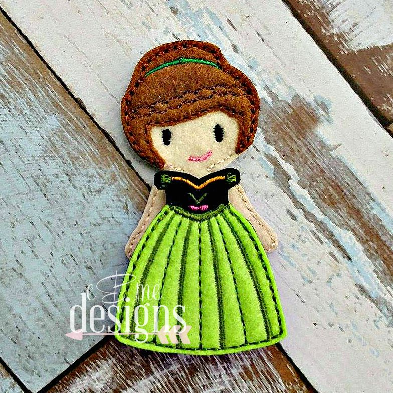 Annabelle IttyBitty Doll Embroidery Design File You will receive the doll and the outfit pictured. SIZES:  4×4 A color chart and PDF photo instructions are included. Formats offered:DSTEXPJEFHUSPESVIPXXXIf you need a different format, please contact us and we will try to work with you. This is a design file. This is NOT the finished product. You will need an …
