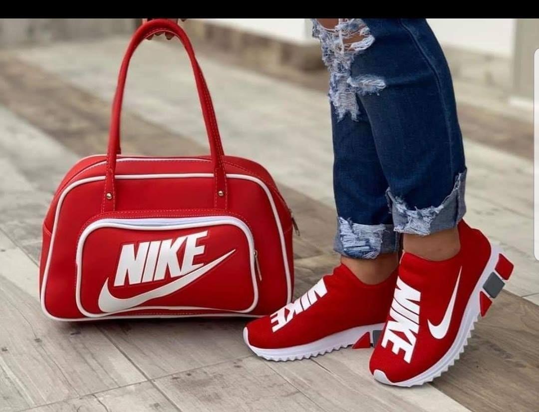 Nike shoe and Bag | Black nike shoes