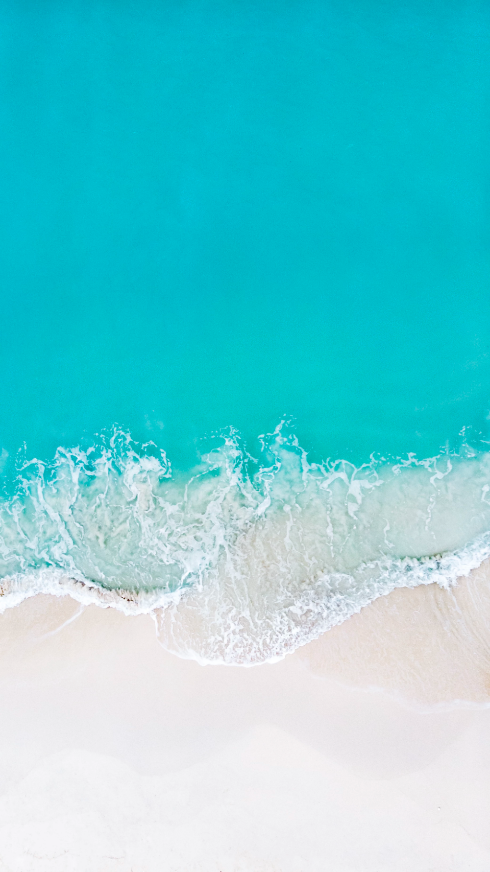 Gorgeous Overhead Beach Photo By Naail Hussain Teddscmv On Unsplash Waves Wallpaper Ocean Wallpaper Summer Backgrounds