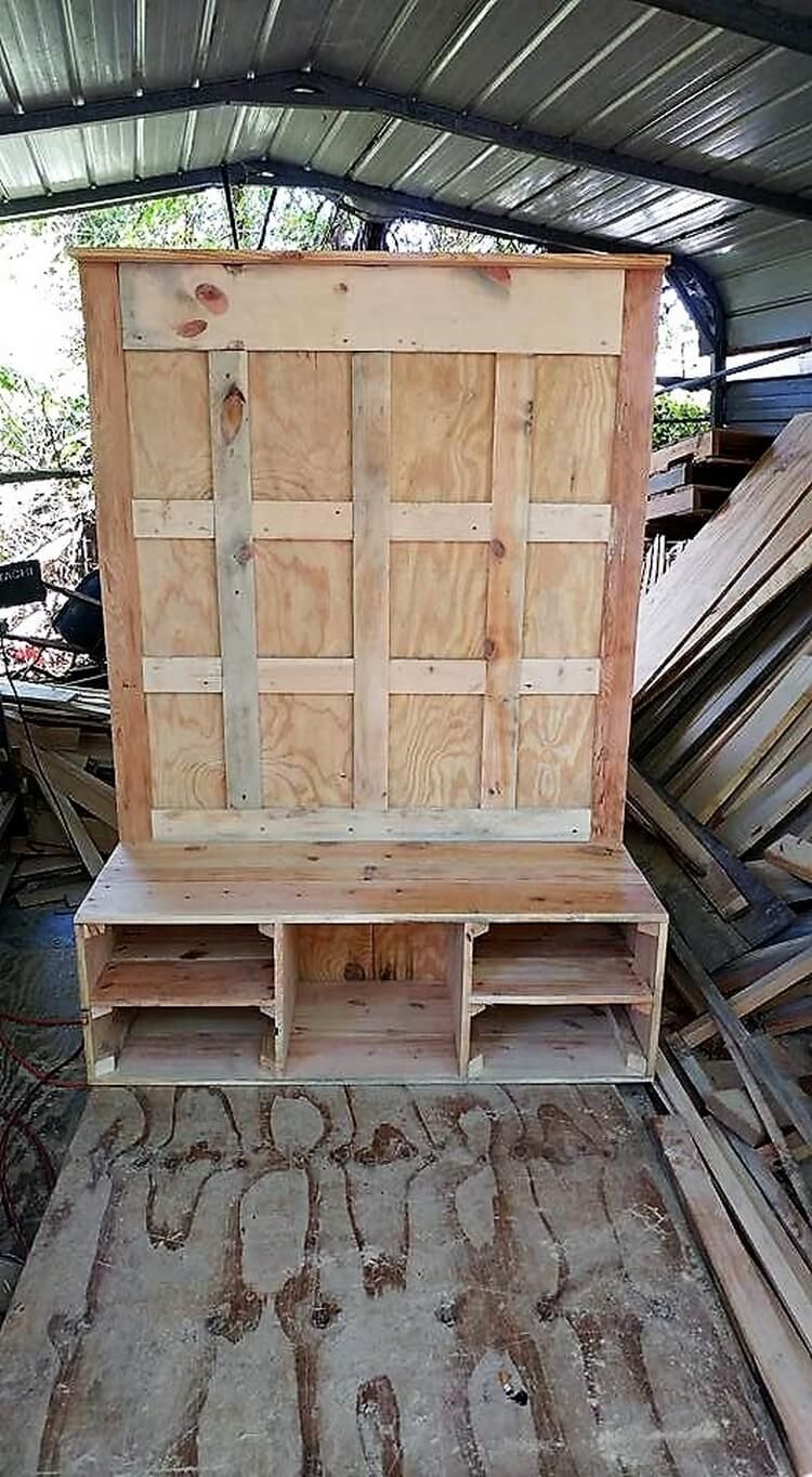 recreation ideas with old dumped wood pallets with images on extraordinary ideas for old used dumped pallets wood id=38935