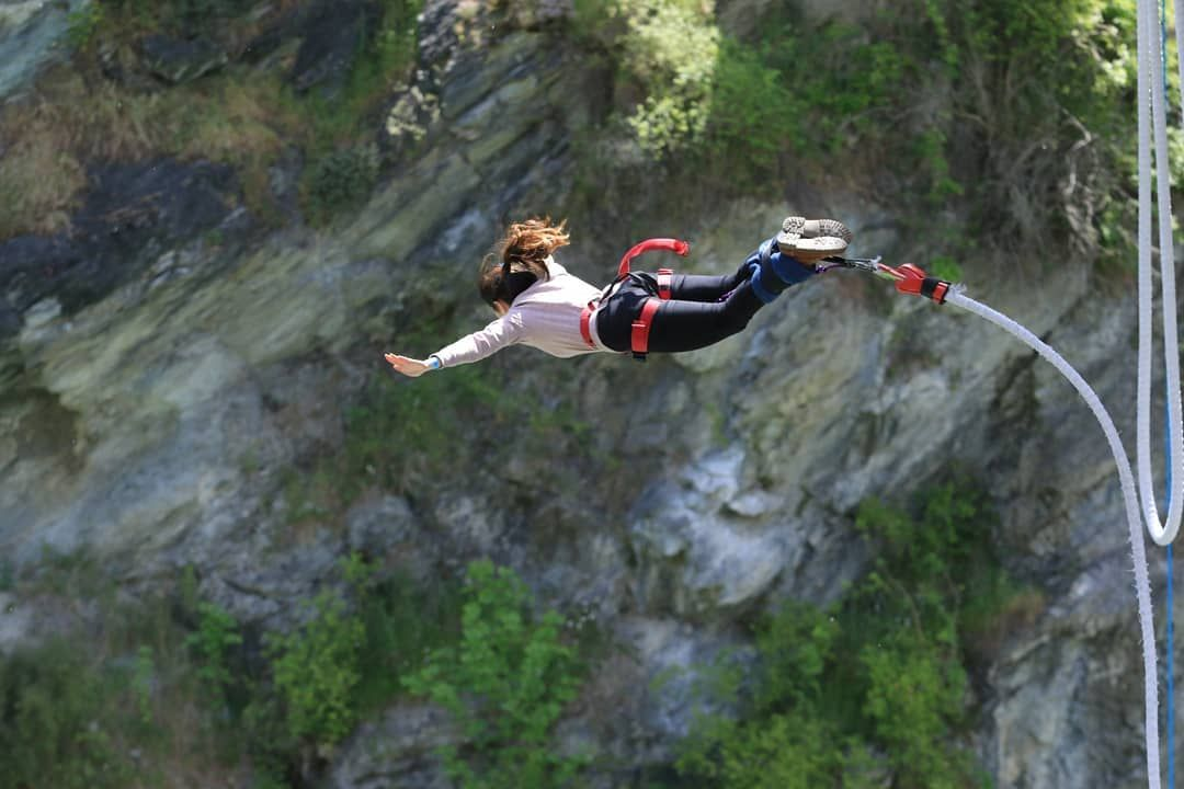 Bungee Jumping Everything You Need To Know Bungee Jumping Recreational Activities Rock Climbing Gear