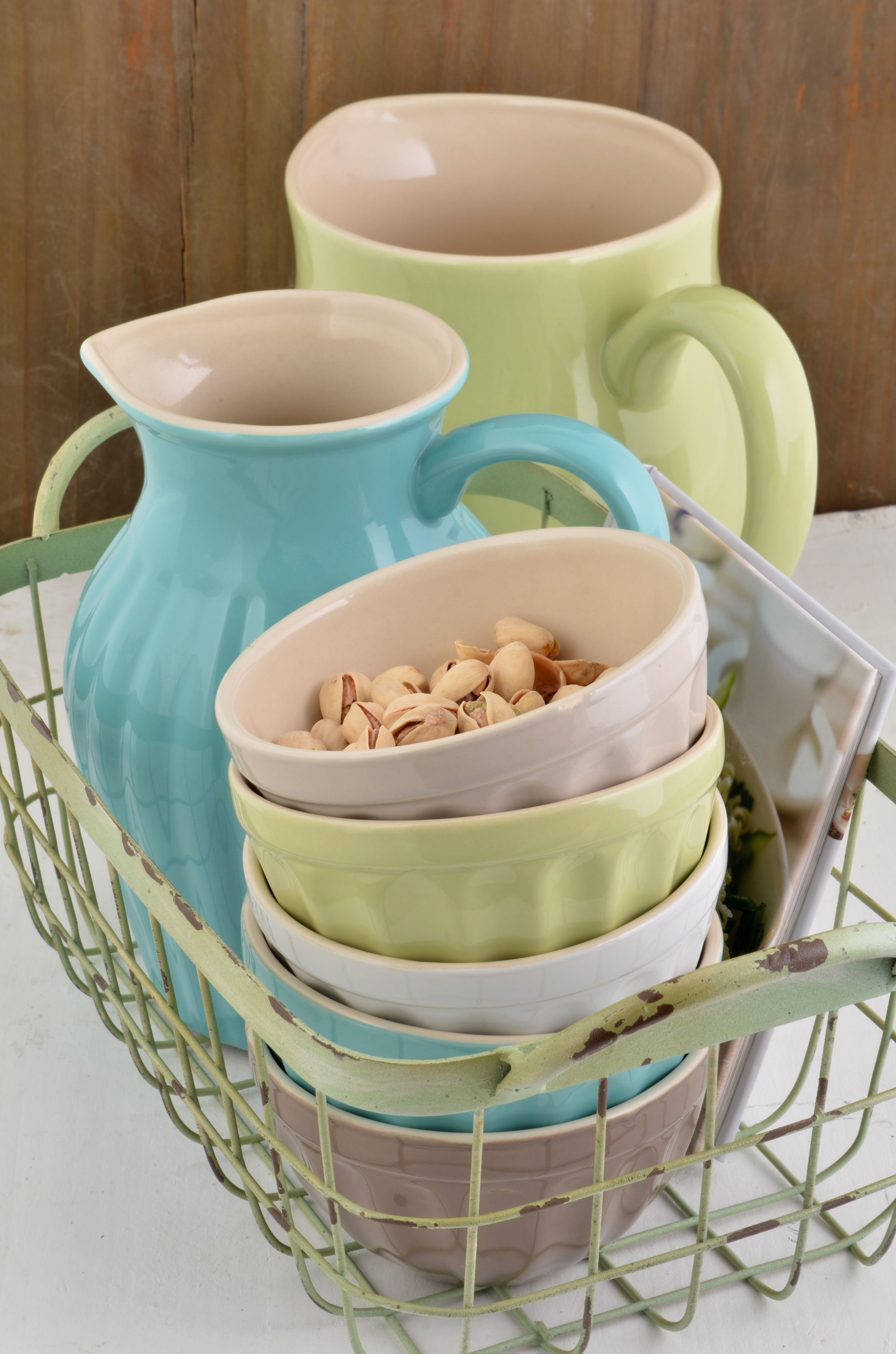 Mynte stoneware by Ib Laursen Müsli bowls and pitchers in Cafe
