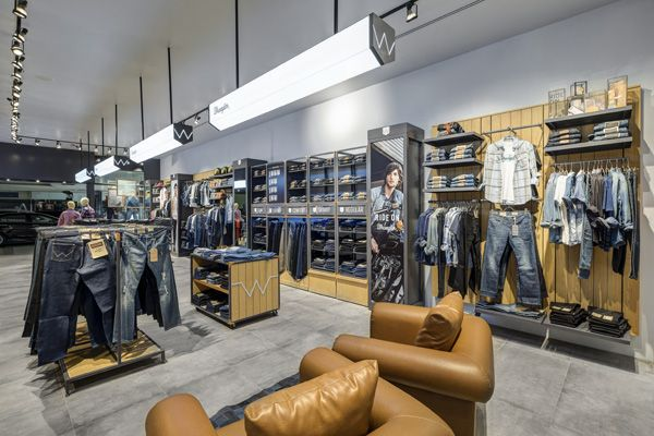 930a250e Project: The Wrangler Roadhouse | Focus on: Store interiors | Wrangler  store, Store design, Retail shop