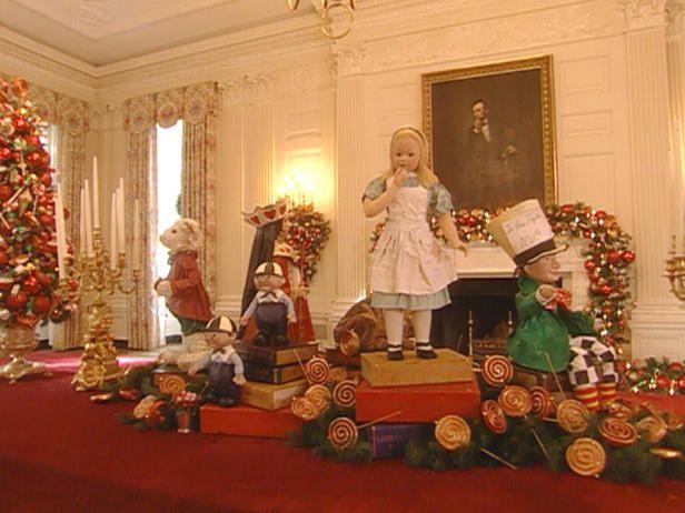 White House Christmas Through The Years A Presidential Photo Album On Tv Home Gard White House Christmas White House Christmas Tree White House Interior