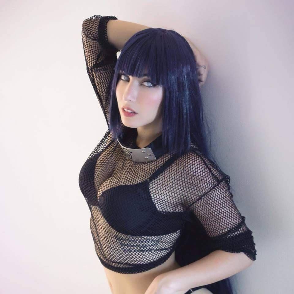 Hinata cosplay nackt