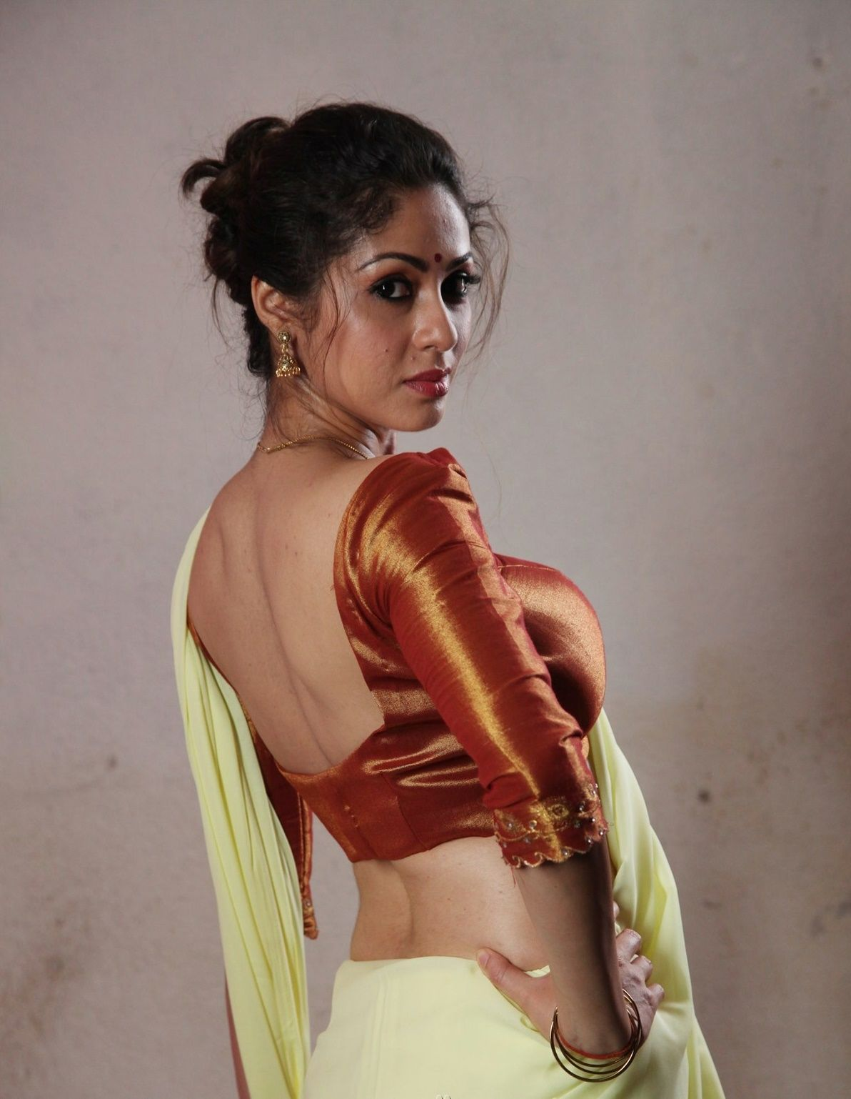 Sadha Sadha new photo
