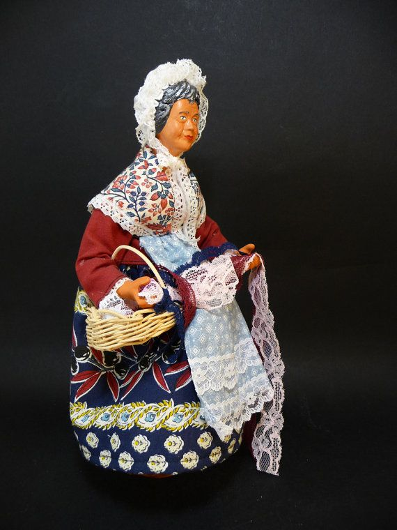 Woman lacemaker, traditional clay doll with genuine cloths. Handmade, handpainted and clothed with genuine textiles (shirt, velvet pants). This kind of handcraft is traditi... #provence #clothes #santon