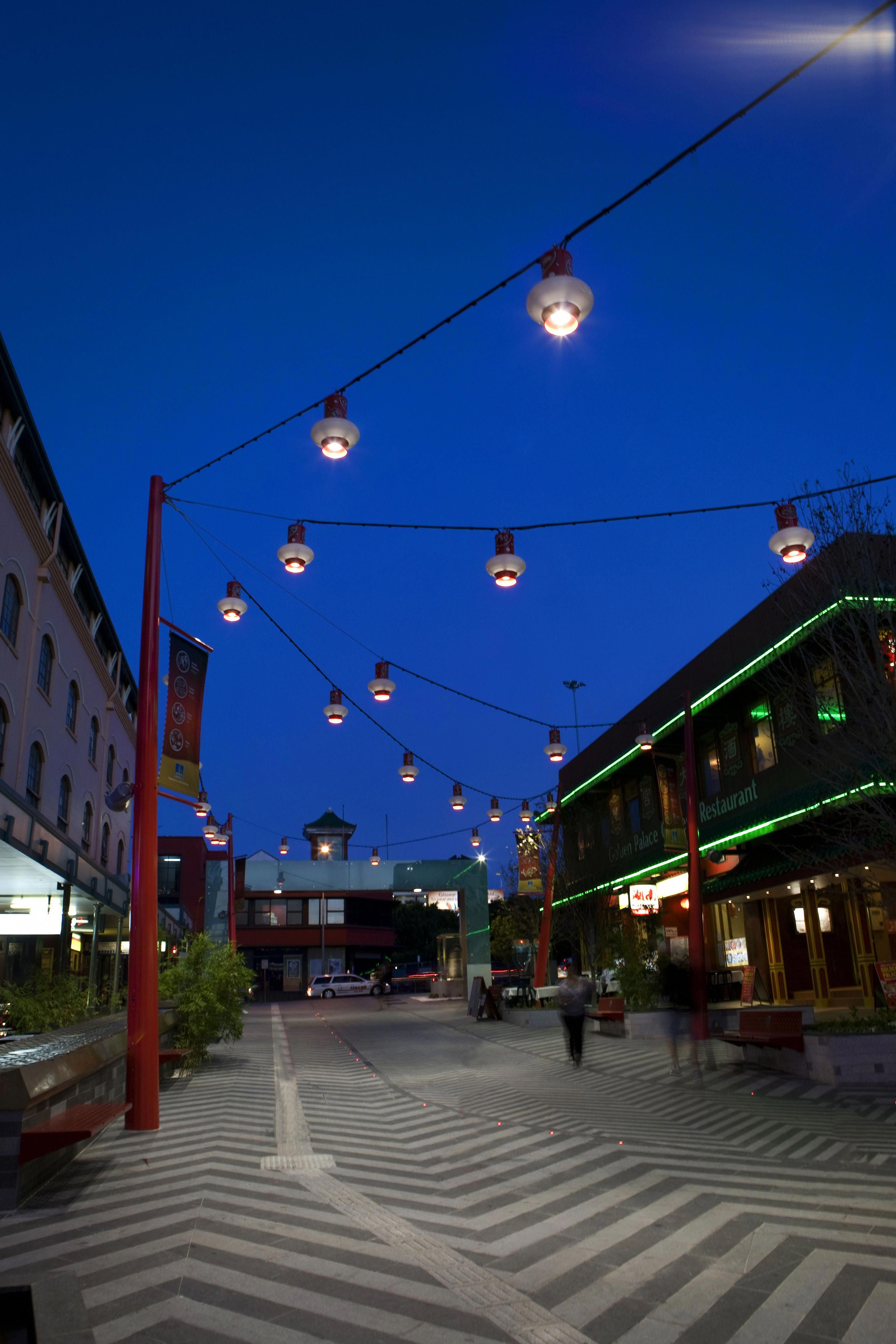 Brisbane Chinatown Mall A Neat Pole Supported Catenary Lighting Structure Ronstan Completed In 201 Landscape Lighting Park Lighting Landscape Lighting Design