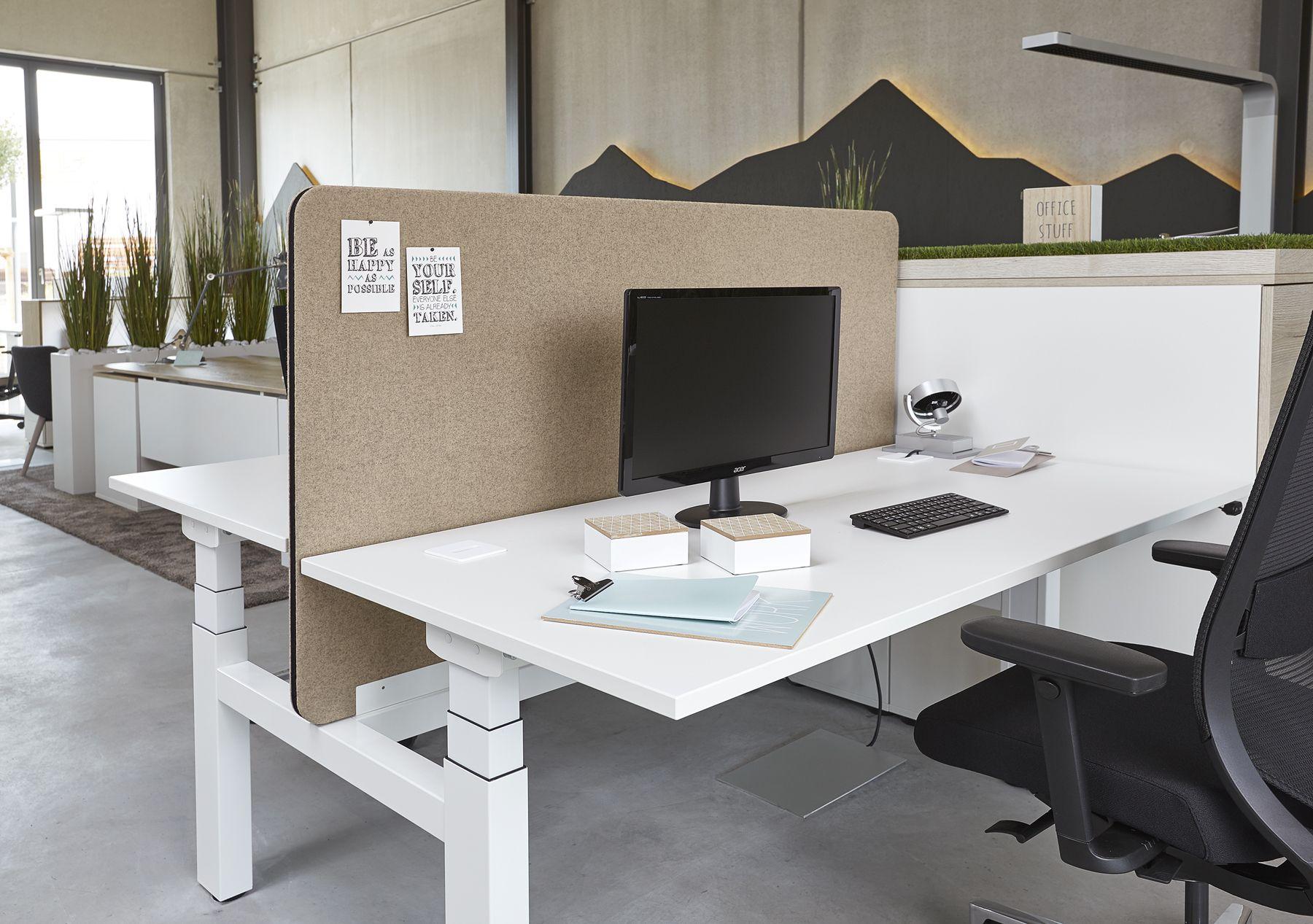 Elektromotorisch höhenverstellbarer Schreibtisch Active