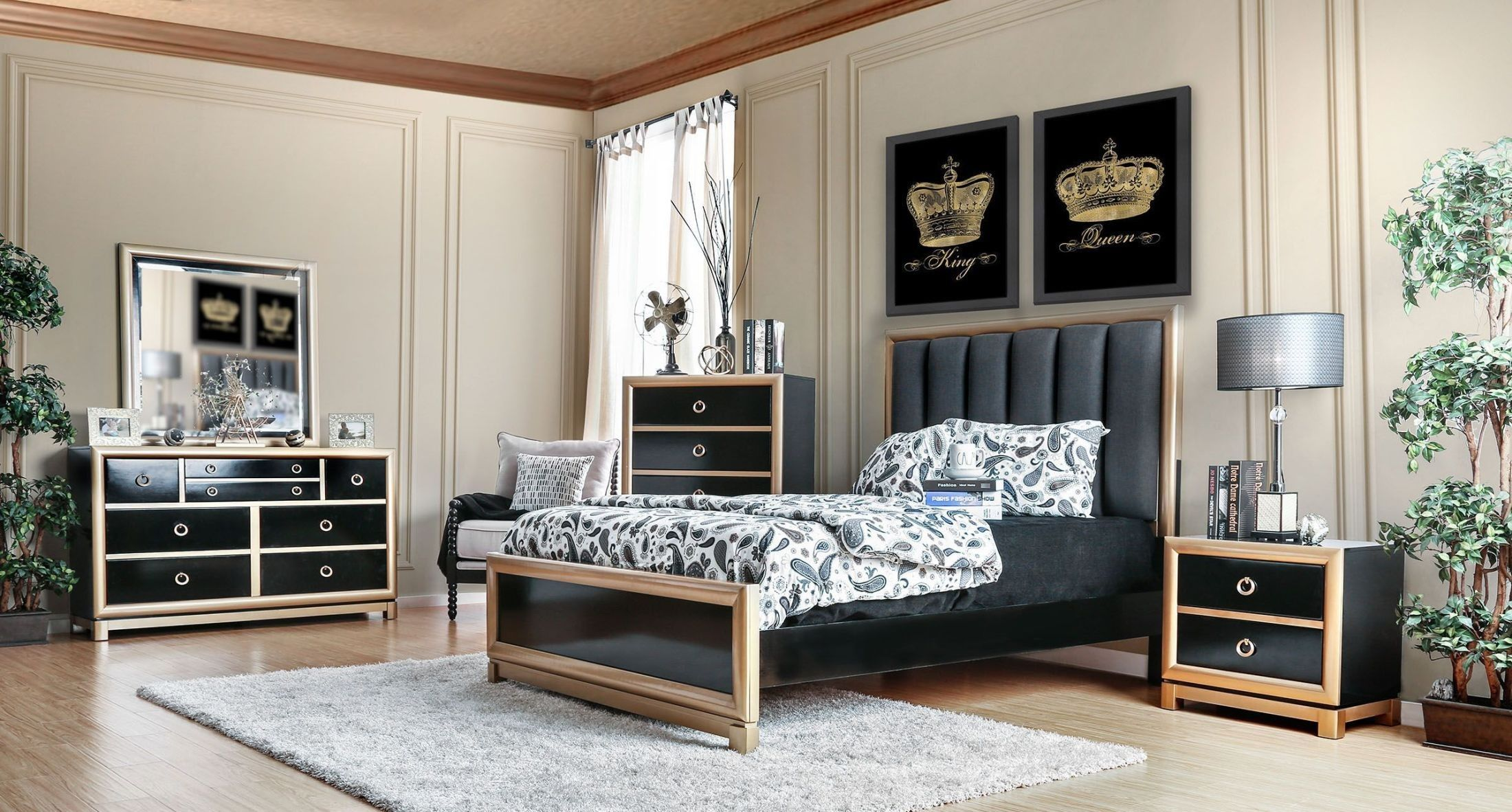 Braunfels Black and Gold Upholstered Panel Bedroom Set