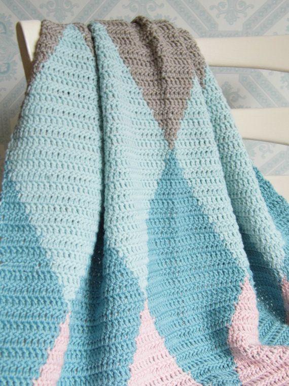 Tapestry Crochet Diamond - Harlequin Lap/Baby blanket