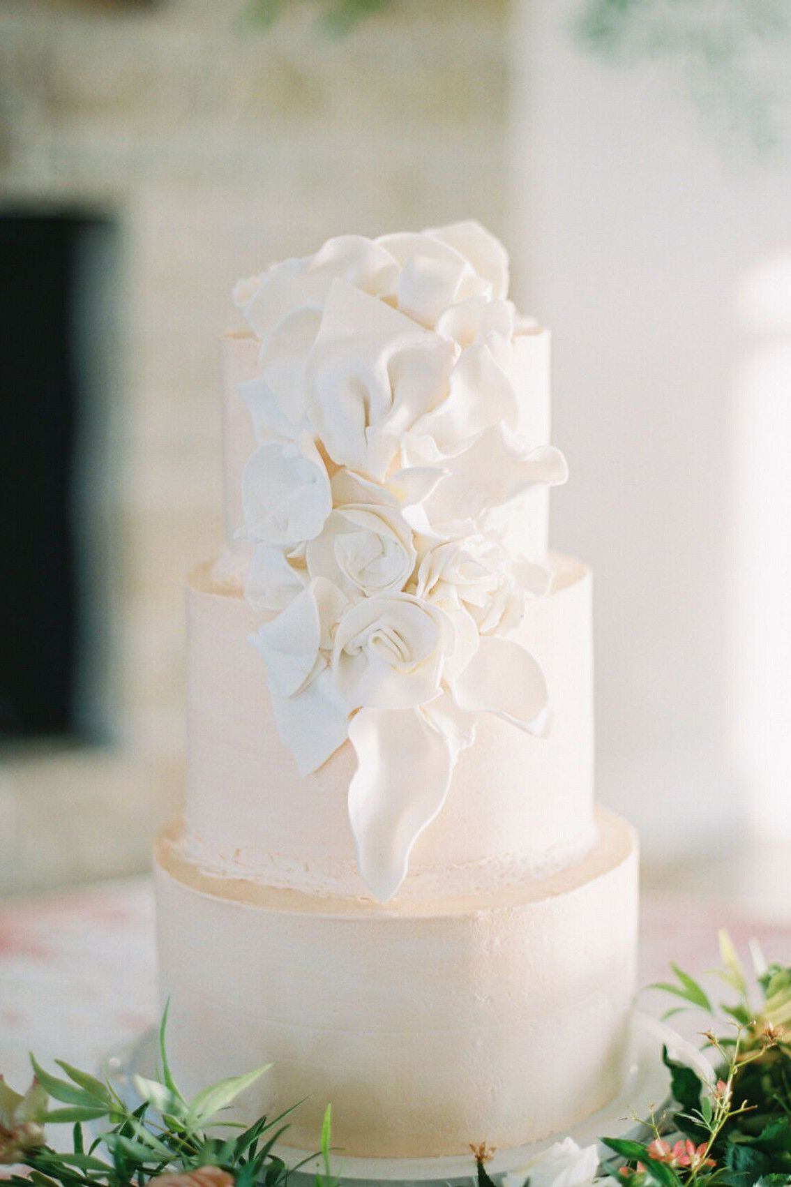 These Pharmacists Paid Homage To Their Careers During Their Dove Ridge Vineyard Wedding In Texas In 2021 Tiered Wedding Cake Cool Wedding Cakes Wedding Cake Rustic