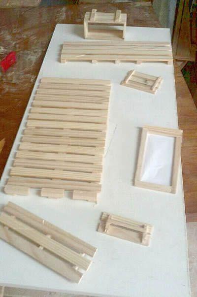 Nuestro mobiliario, en construcción www.petitsideals.com