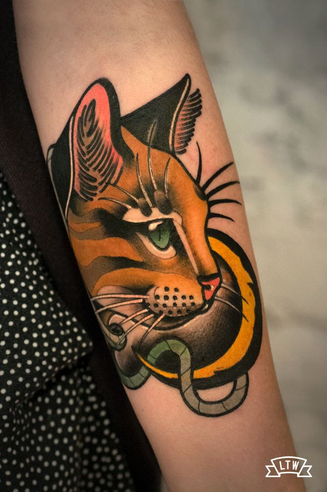Tattoo de un gato en estilo neotradicional por leah for Tatoo gatos
