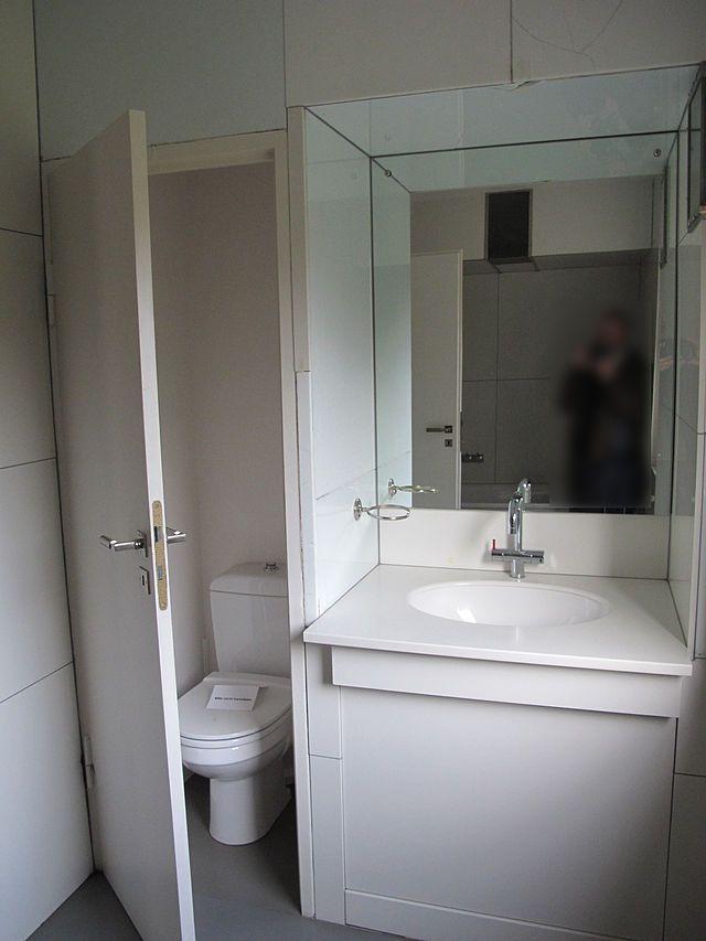 Haus am Horn, interior, toilet Bauhaus Bauhaus - Gropius Pinterest