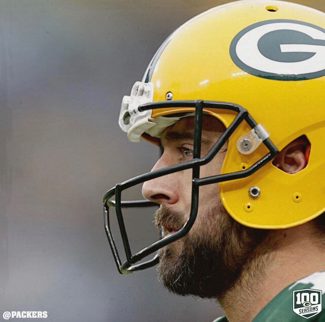 Pin By Zoster 17 On Aaron Rodgers Aaron Rodgers Green Bay Packers Football Helmets