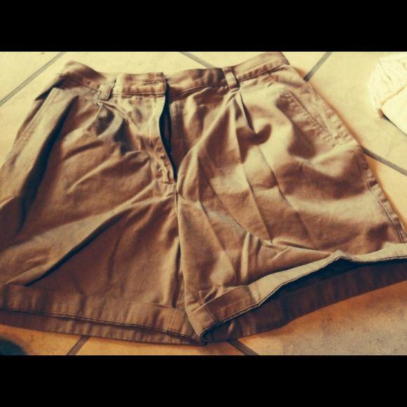 Ralph lauren shorts Ralph lauren beige walking shorts size 4 Ralph Lauren Shorts