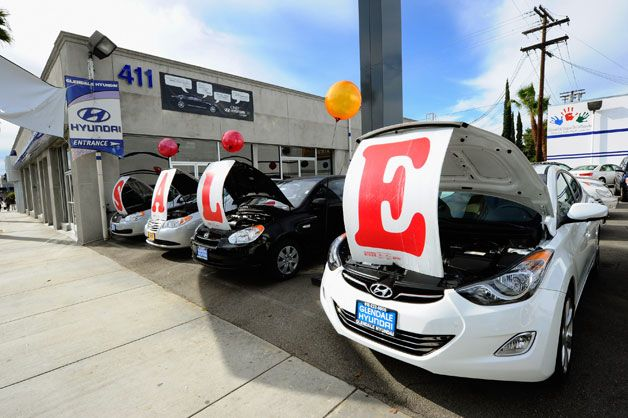 Dealerships That Buy Cars >> Car Dealerships Selling More Cars Per Store Than Ever Before