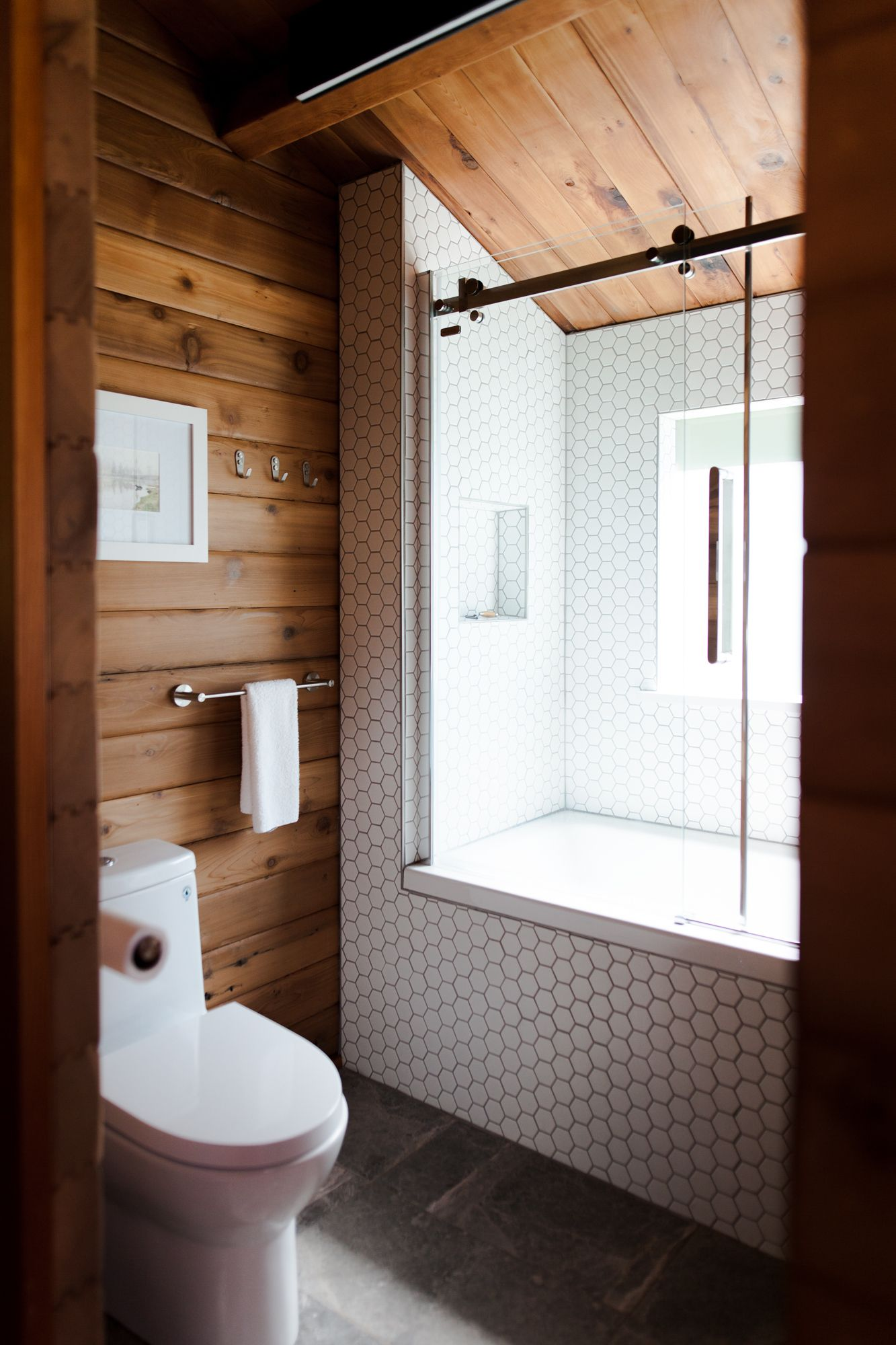 Photo of These Rustic Shower Ideas Are Giving Us Major Cozy Cabin Vibes   Hunker