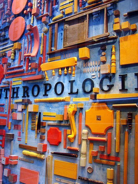 anthropologie window display escaparatismo display anthropologie display y window display. Black Bedroom Furniture Sets. Home Design Ideas