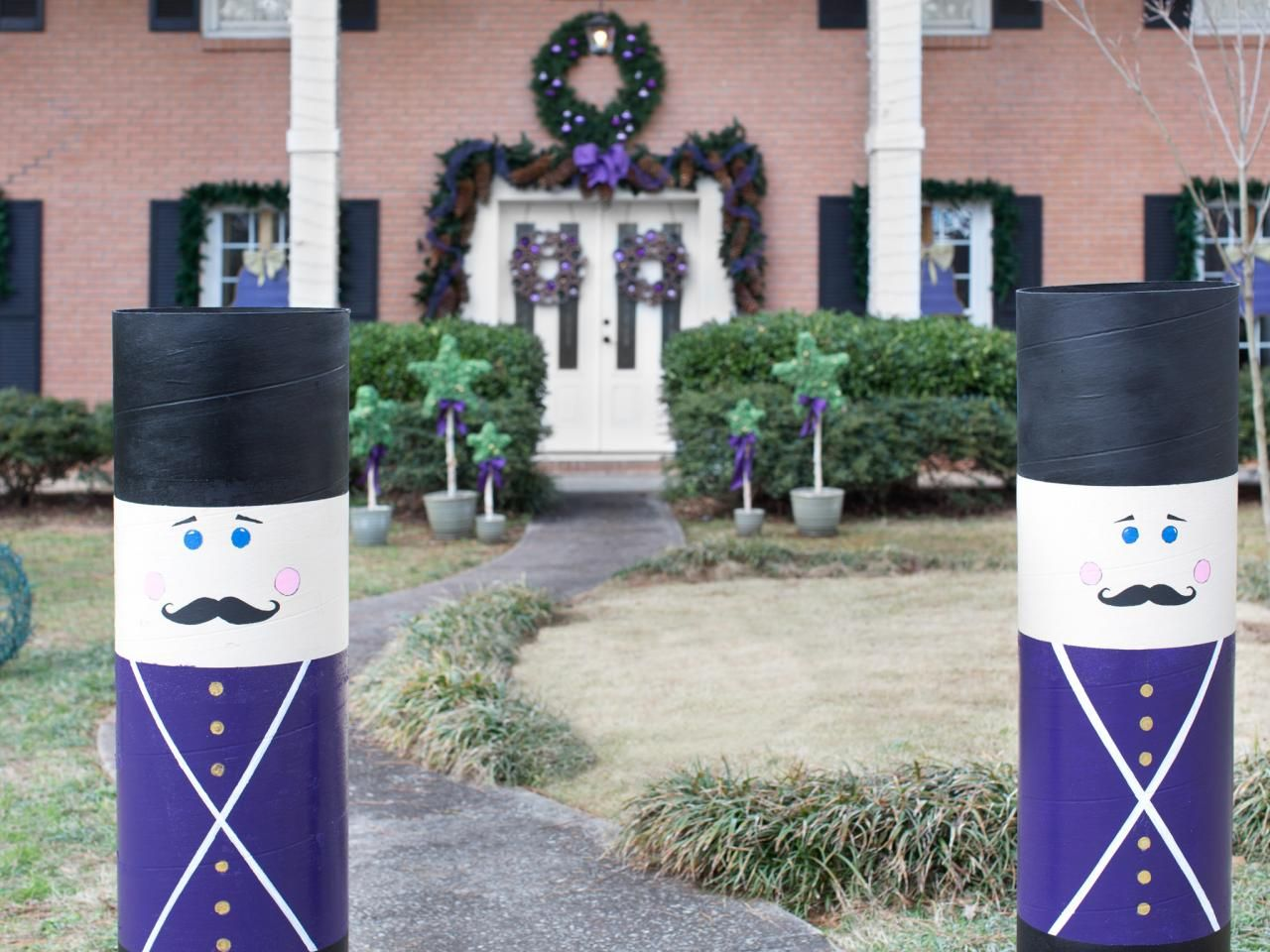 How to make a nutcracker christmas decoration - Christmas Decor How To Make Giant Nutcrackers