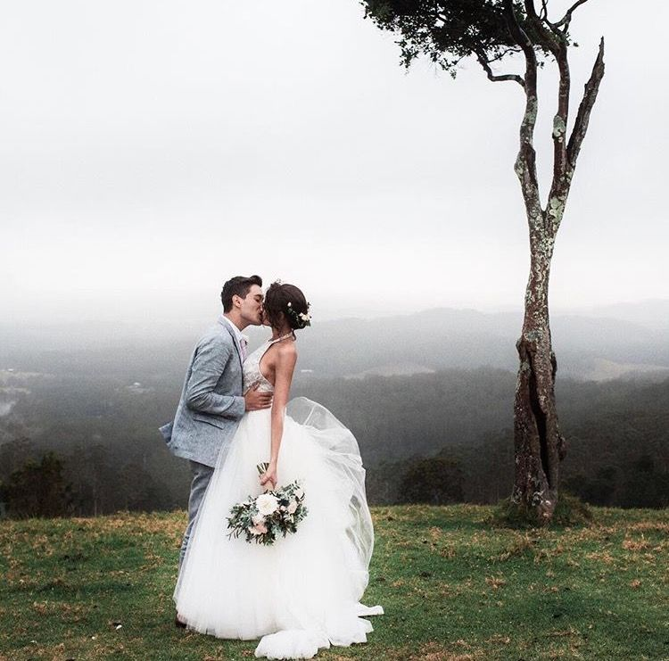 Pin By Hi On Romance Was Born Wedding Pictures Jess Conte Wedding