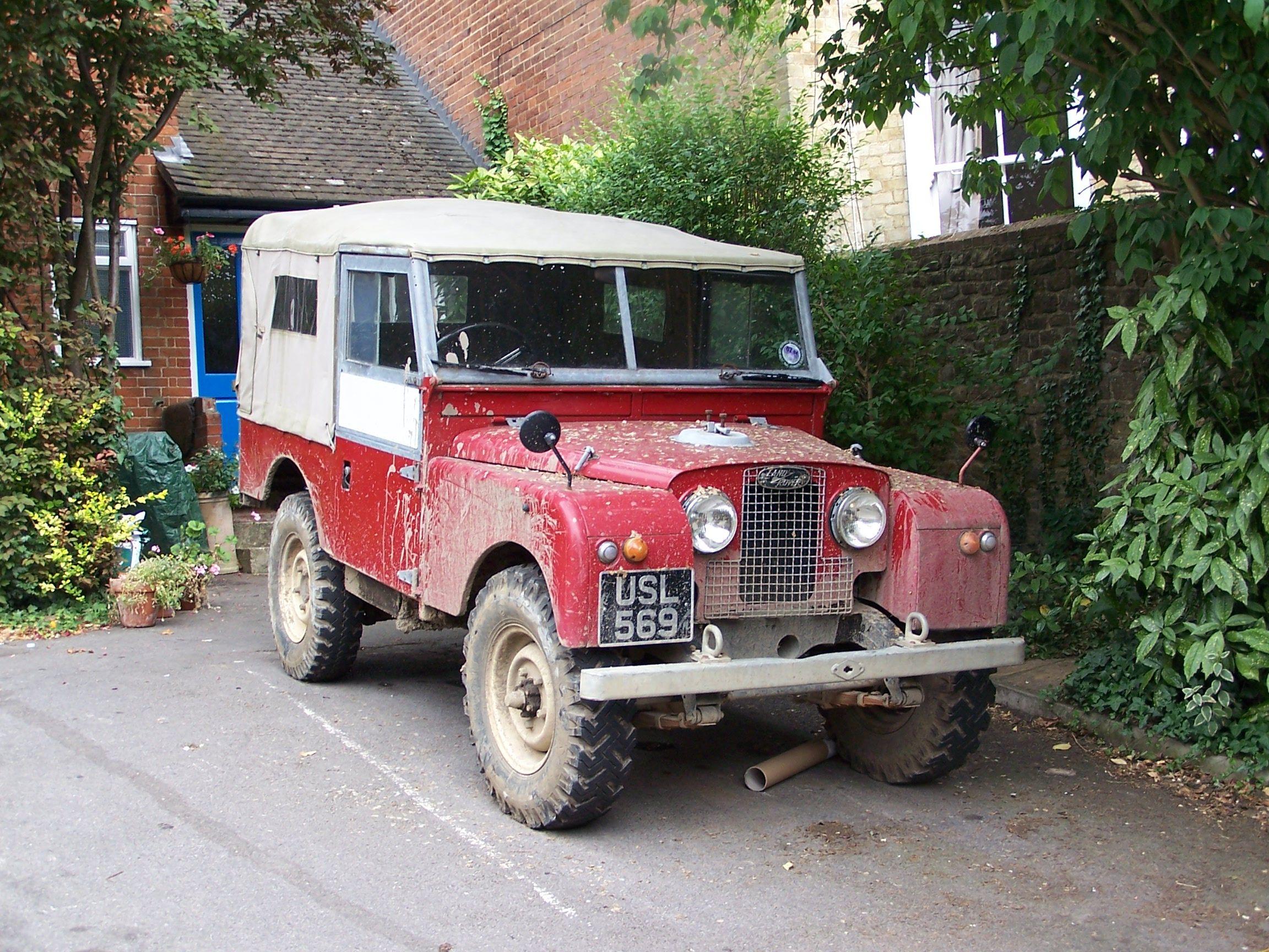 looks like a series 1 Land Rovers Pinterest