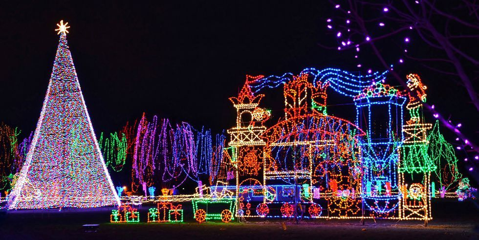 Christmas Light Displays Across The Country That Are Absolutely Breathtaking Best Christmas Lights Best Christmas Light Displays Christmas Light Show