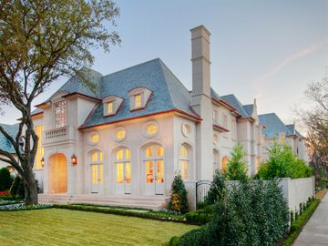 Roof And Stucco Colors Large Windows On Front French Architecture French Style Homes French Country Exterior
