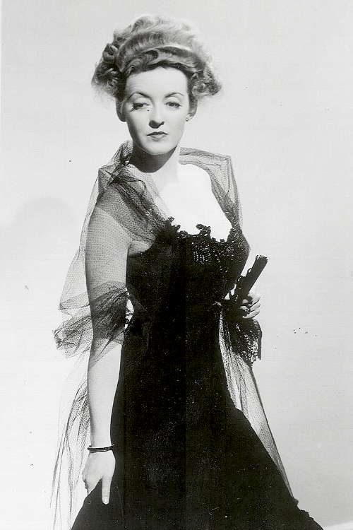 Bette Davis in The Little Foxes (1941). Director: William Wyler. #williamwyler