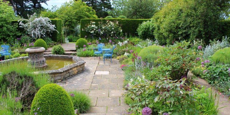 DEN HVIDE HAVE VED KIFTSGATE COURT - Kiftsgate Court Gardens UK
