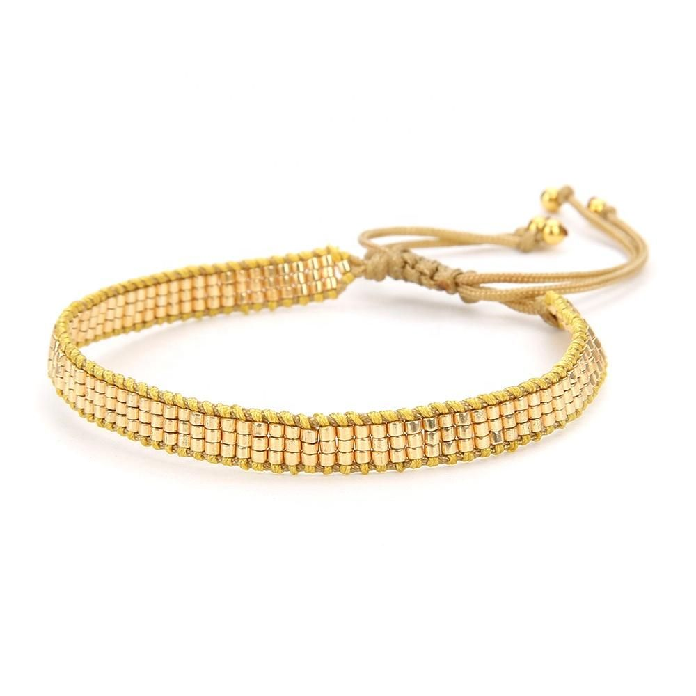 Include Gold thin bracelet, Gold bracelet with stars, Silver Lips