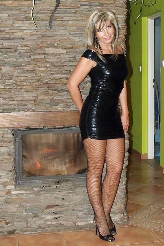 Pin By Nick Jordan On Sexy Matures In 2019  Sexy Older Women, Skirts With Boots, Sexy -2495